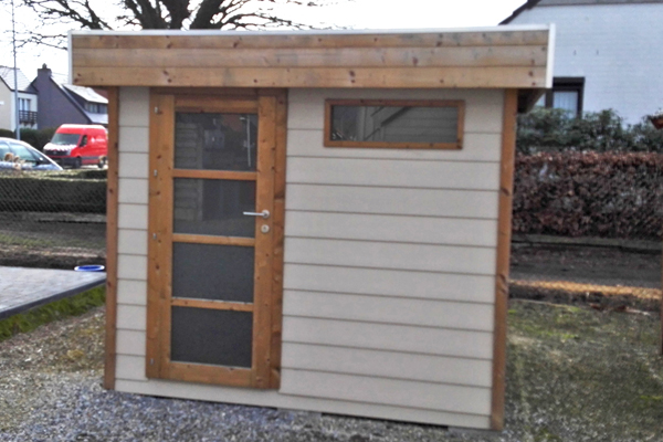 Nieuw Tuinhuis plat dak klein raam IO-43